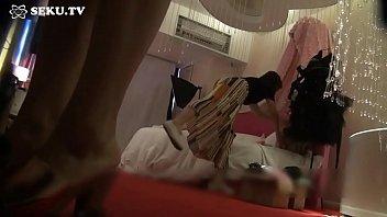 Шикарная массажистка трахнулась с клиентом