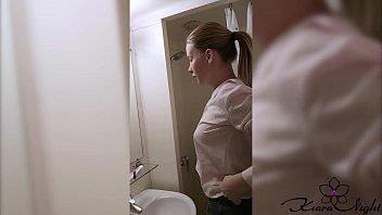 Муж от трахал белобрысую жёнушку раком в спальне