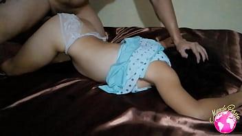 Молодуха полизала вульву мамочки и потрахалась с ее жеребчиком